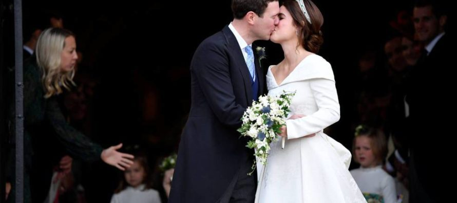 Princesa Eugenia y Jack Brooksbank se dieron el si en Castillo de Windsor (FOTOS)