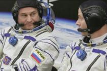 Cosmonauta y astronauta a salvo tras aterrizaje de emergencia