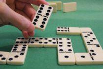 Jugando dominó te puedes ganar 1.000 dólares en Miami