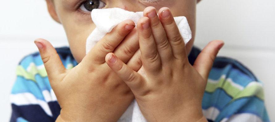 Un niño primera víctima mortal por temporada de gripe en Florida