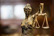 Una mujer se declaró culpable de la muerte de su hija adoptiva de 10 años