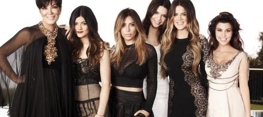 Descubre el sexy vestuario de las Kardashian durante su paso por Europa