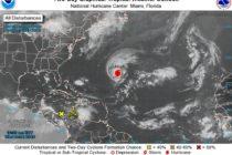 Tormenta tropical Leslie se convirtió en huracán y permanece casi estacionario en el Atlántico