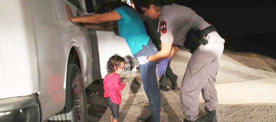 Política migratoria: ¿adopciones de menores a espaldas de sus padres?