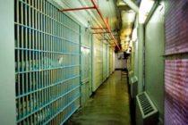 Arrestan a director de secundaria de Broward por violencia doméstica
