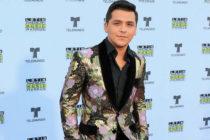 El cantante Christian Nodal recibe tres nominaciones a Premios Juventud