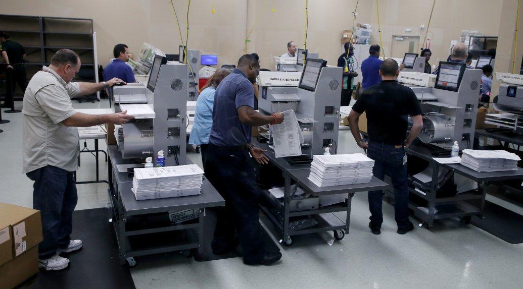 Florida: Ordenan recuento manual en contienda para el Senado