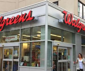 Florida demanda a Walgreens y CVS por venta de opioides