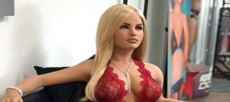 Una robot sexual arrasa en chat Tinder con encuesta online