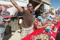 Nuevo campeón de comer cangrejos de piedra de los Cayos de Florida