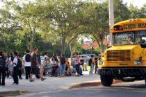 Brindan apoyo emocional en escuela de Miami Gardens donde estudiaba niño de 6 años que se asesinó