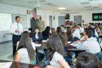 Estudiantes de las escuelas públicas de Miami-Dade se suman al reto de innovación estudiantil del superintendente