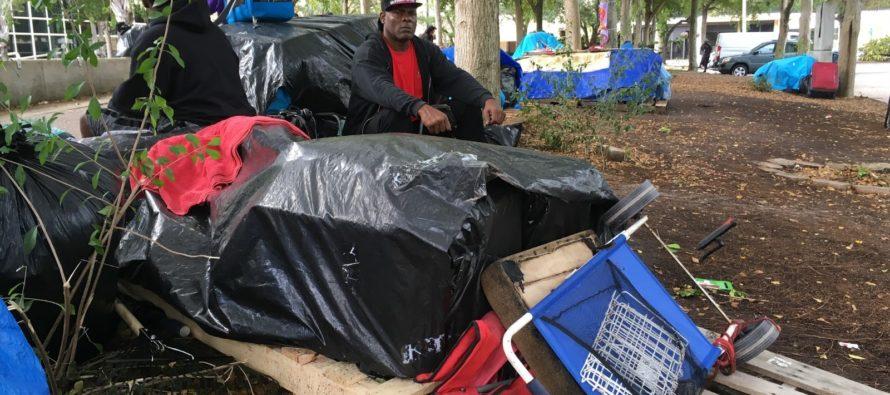 Fort Lauderdale cierra campamento de personas sin hogar