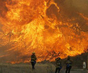 Incendios de California han provocado 66 muertes y 631 desaparecidos