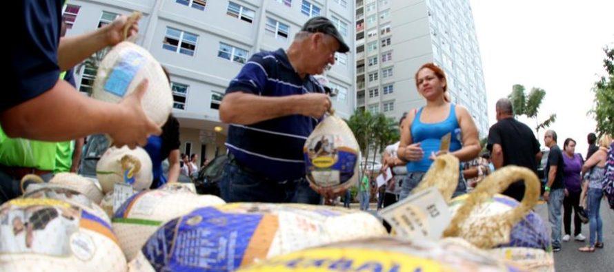 Comisionado de Miami-Dade entregó más de 500 pavos a residentes necesitados para celebrar el Día de Acción de Gracias