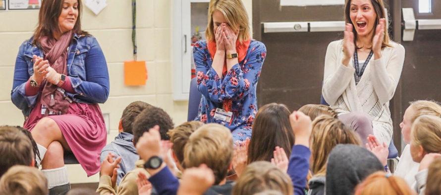 En Florida premian a maestra con el «Oscar de la Enseñanza» por su dedicación y compromiso