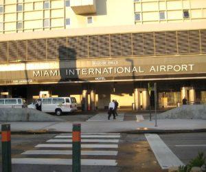 Trabajadores del aeropuerto de Florida exigen que se revoque permiso de Eulen América