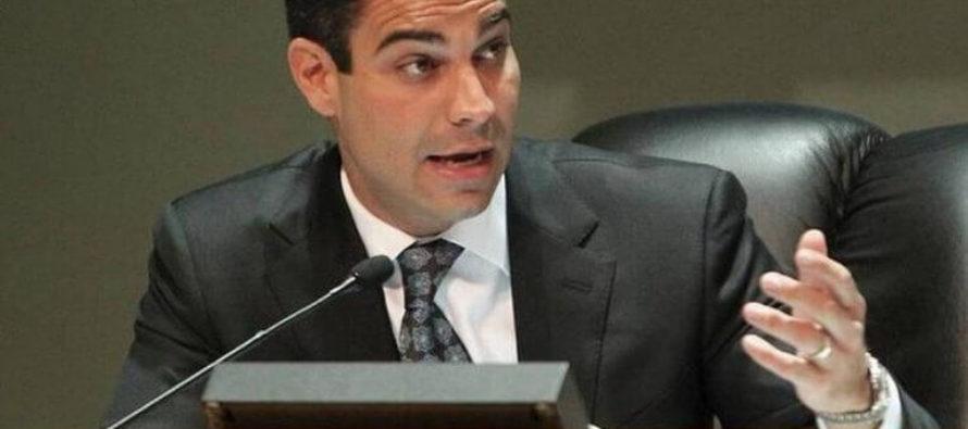 Alcalde Francis Suárez decreta toque de queda en Miami a partir del martes en la noche por el COVID-19