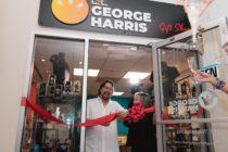 El George Harrys Gift Shop vende con humor y elegancia