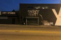 Términos de odio fueron pintados con spray fuera de la galería Little Haiti de Miami