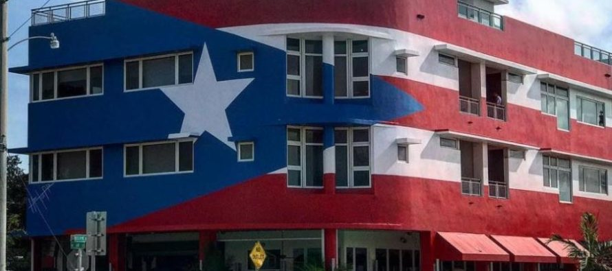 Mural de la bandera de Puerto Rico pintada en restaurant abrió debate en Miami
