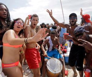 Miami Beach se llena de visitantes durante este fin de semana