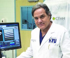 Urólogo de Miami aplica novedoso tratamiento no invasivo contra cáncer de próstata
