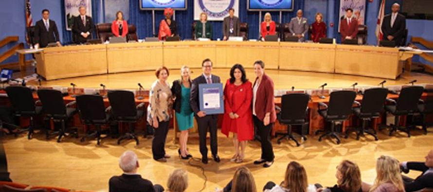 Junta Escolar de Miami-Dade reconoce a Carlos López-Cantera como Vicegobernador