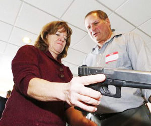 Comisión de Parkland recomienda armar a educadores en las escuelas