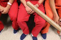 Guardias acusados por agredir a reclusos en el sur de Florida