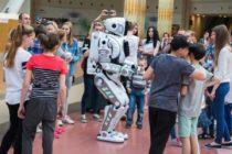Intentan engañar al público con la presentación de un falso robot de fabricación rusa