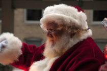 """Hombre gritó """"Santa Claus no existe"""" en festival navideño en Florida"""