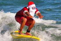 Tradición de Surfing Santas recibe a temporadistas en Cocoa Beach