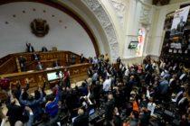 """Como """"usurpador"""" declaró el Parlamento venezolano a Nicolás Maduro"""