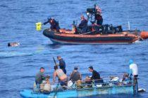 Cancelan la búsqueda de niño y traficante de migrantes en aguas de costa este de Florida