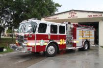 Bomberos de Florida rescataron regalo de Navidad de vehículo incendiado