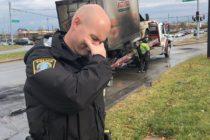 ¡Increíble! Policías de Lexington 'lloran' por incendio de camión lleno de donas