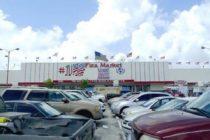 Orden de desalojo obliga a vendedores de Flea Market de Miami a abandonar sus puestos de trabajo