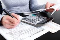 IRS: Apresurarse a presentar la declaración de impuestos puede generar errores, use e-file y solicite una prórroga