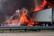 Increíble incendio provocado por accidente de tránsito dejó siete muertos en Florida. Tienes que verlo