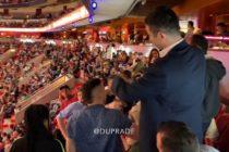Policía de Miami sacó a la fuerza del American Airlines Arena a fanático borracho