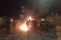 Protestas nocturnas en Venezuela dejan al menos 2 muertos