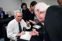 Partidarios de Roger Stone se concentrarán en su casa de Florida