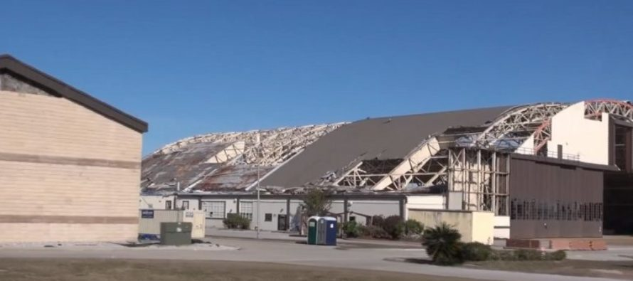 Tornado dejó graves daños materiales en base aérea en Florida