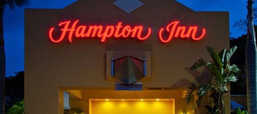 Hurtan $10,000 en un hotel de Florida y son arrestados en su residencia