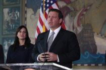 Votantes de Florida valoran positivamente gestión de Ron DeSantis