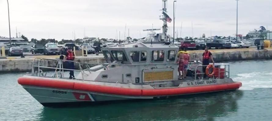 Crucero de Carnival rescata a 23 personas en alta mar