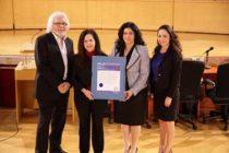 La Junta Escolar del condado Miami-Dade reconoció a Ángela Ramos, directora de Empoderamiento Comunitario en Univision-23