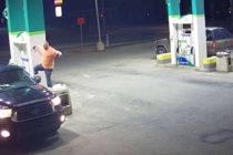 Atracador en gasolinera grabado operando al mejor estilo de Karate Kid