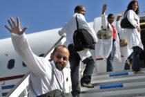 ¡Qué vuelva! Programa Parole para galenos cubanos solicitan senadores